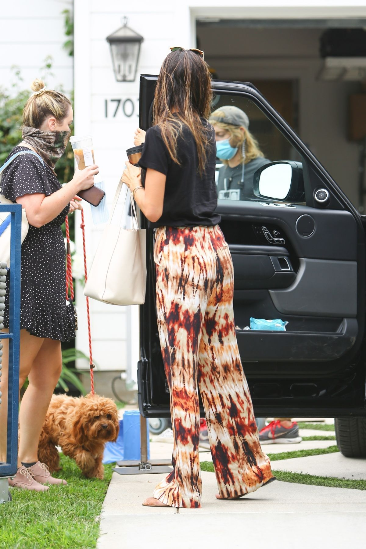 Alessandra Ambrosio Arrives Set New Project Los Angeles