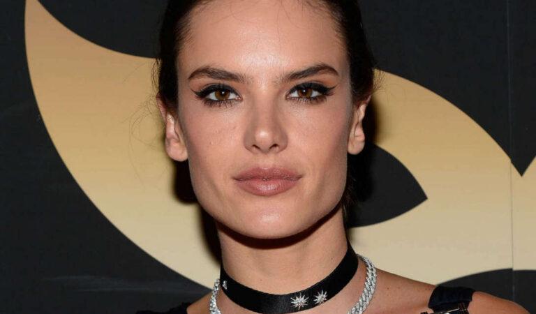 Alessandra Ambrosio Girls Getaway Intrigue Nightclub Las Vegas (6 photos)