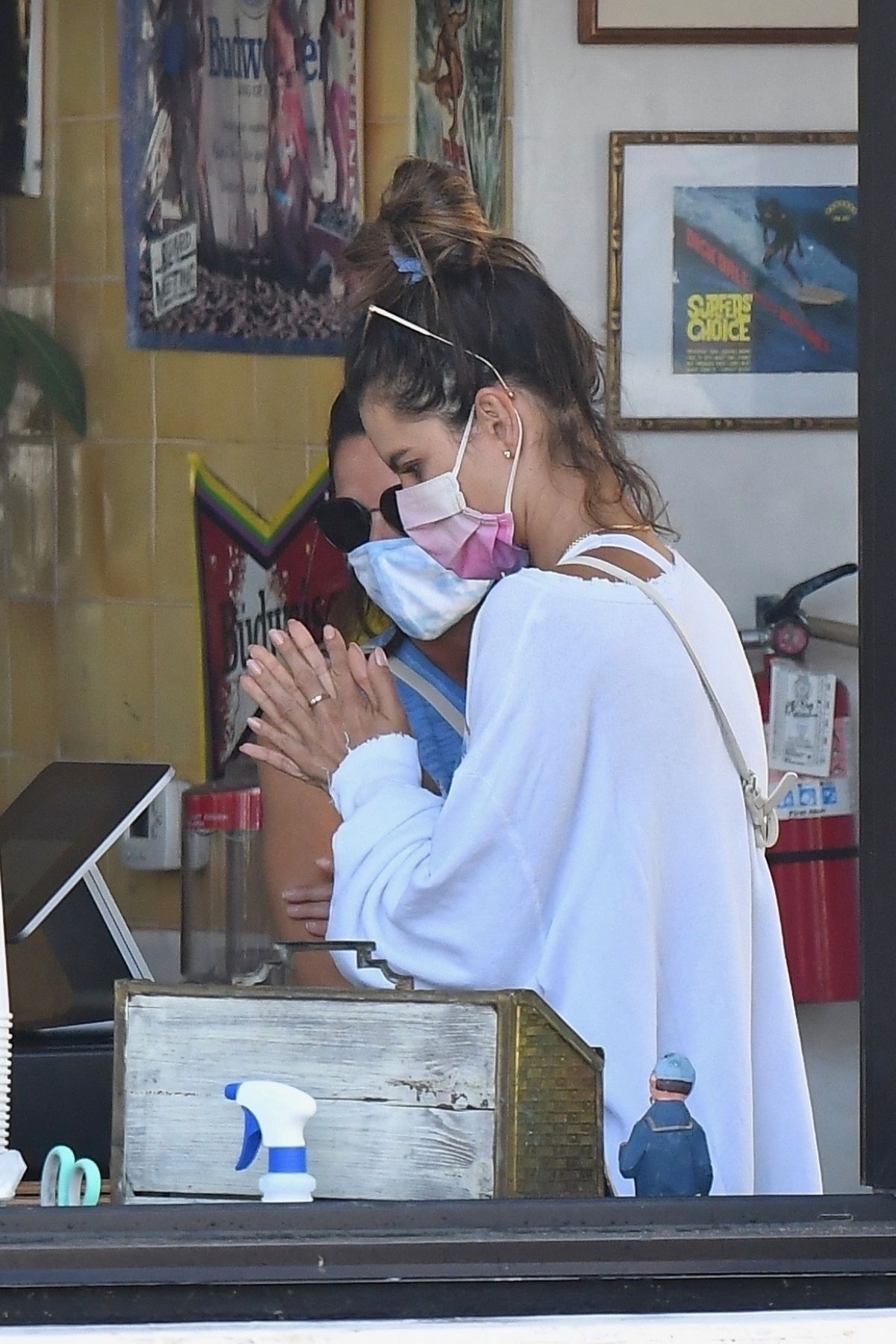Alessandra Ambrosio Out For Take Out Lunch Malibu