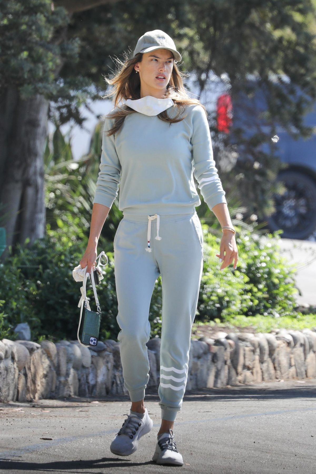 Alessandra Ambrosio Out Hiking Pacific Palisades
