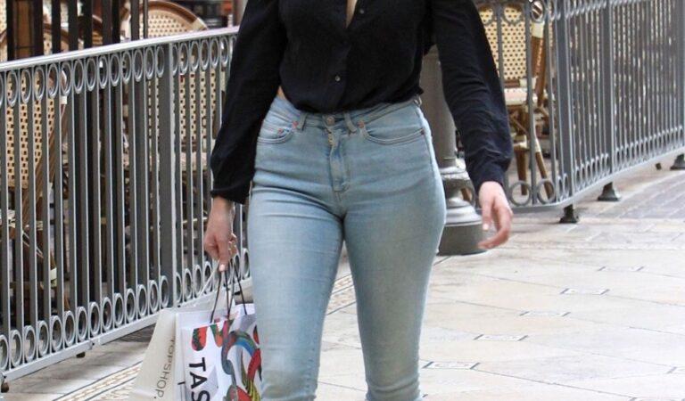 Alycia Debnamcarey In Tight Jeans (1 photo)