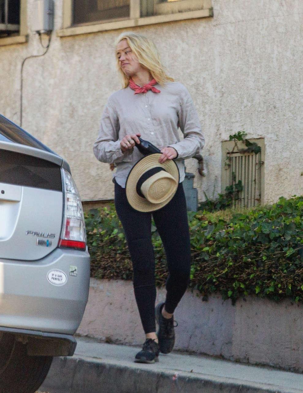 Amber Heard Out Hikinig Elysian Park Los Angeles