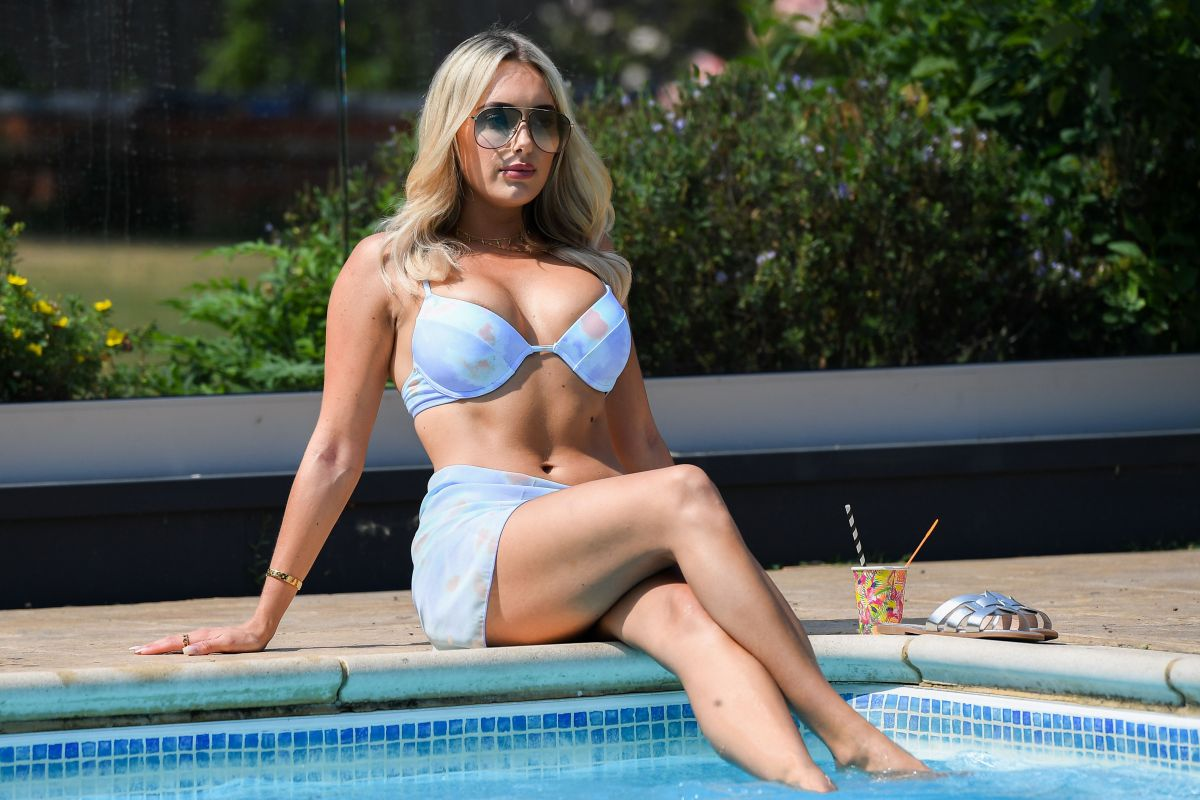 Amber Turner Bikini Set Towie