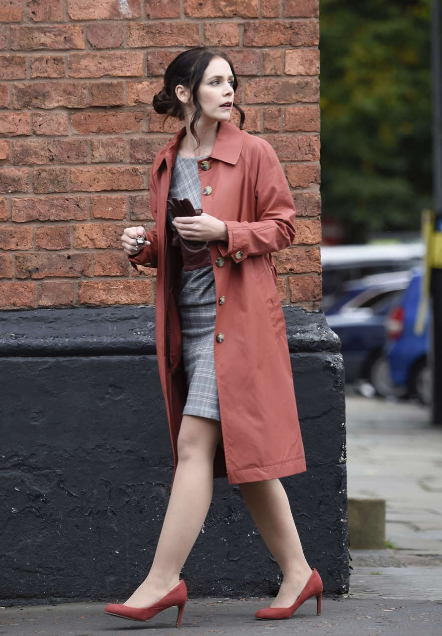 Amy Wren Catherine Tyldelsy Alexandra Roach Set Of New Itv Drama Viewpoint Manchester