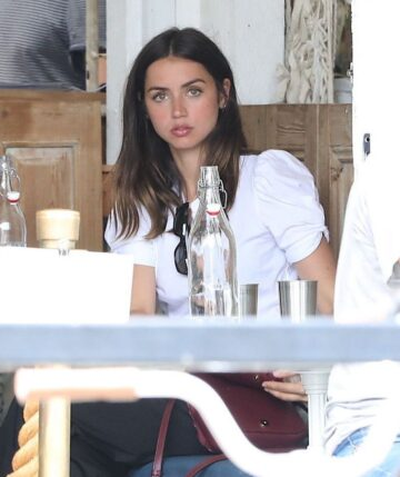 Ana De Armas Out For Lunch With Friends Los Angeles