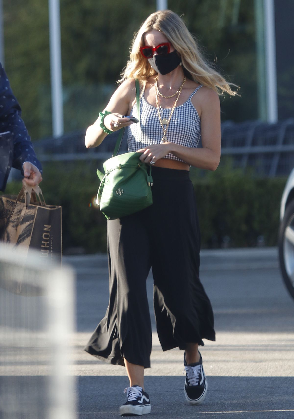 Annabelle Wallis Chris Pine Out Shopping Los Angeles