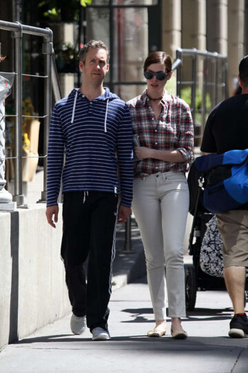 Anne Hathaway Adam Shulman Out About New York