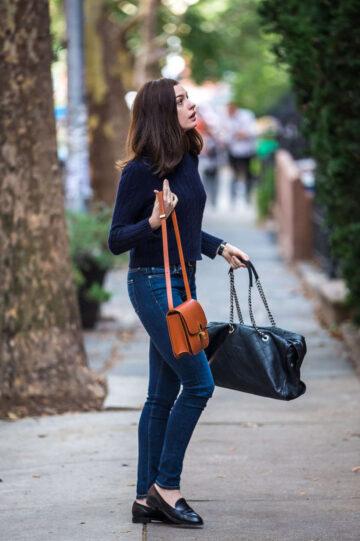 Anne Hathaway Intern Set New York