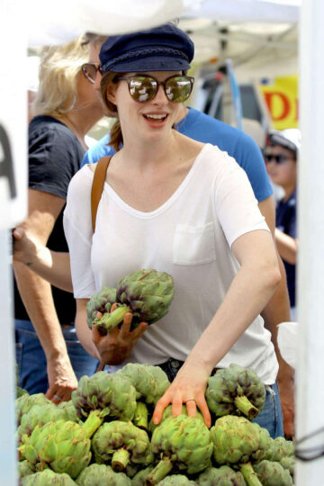 Anne Hathaway Out Shopping Los Angeles