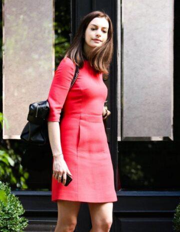 Anne Hathaway Red Dress Set Intern New York