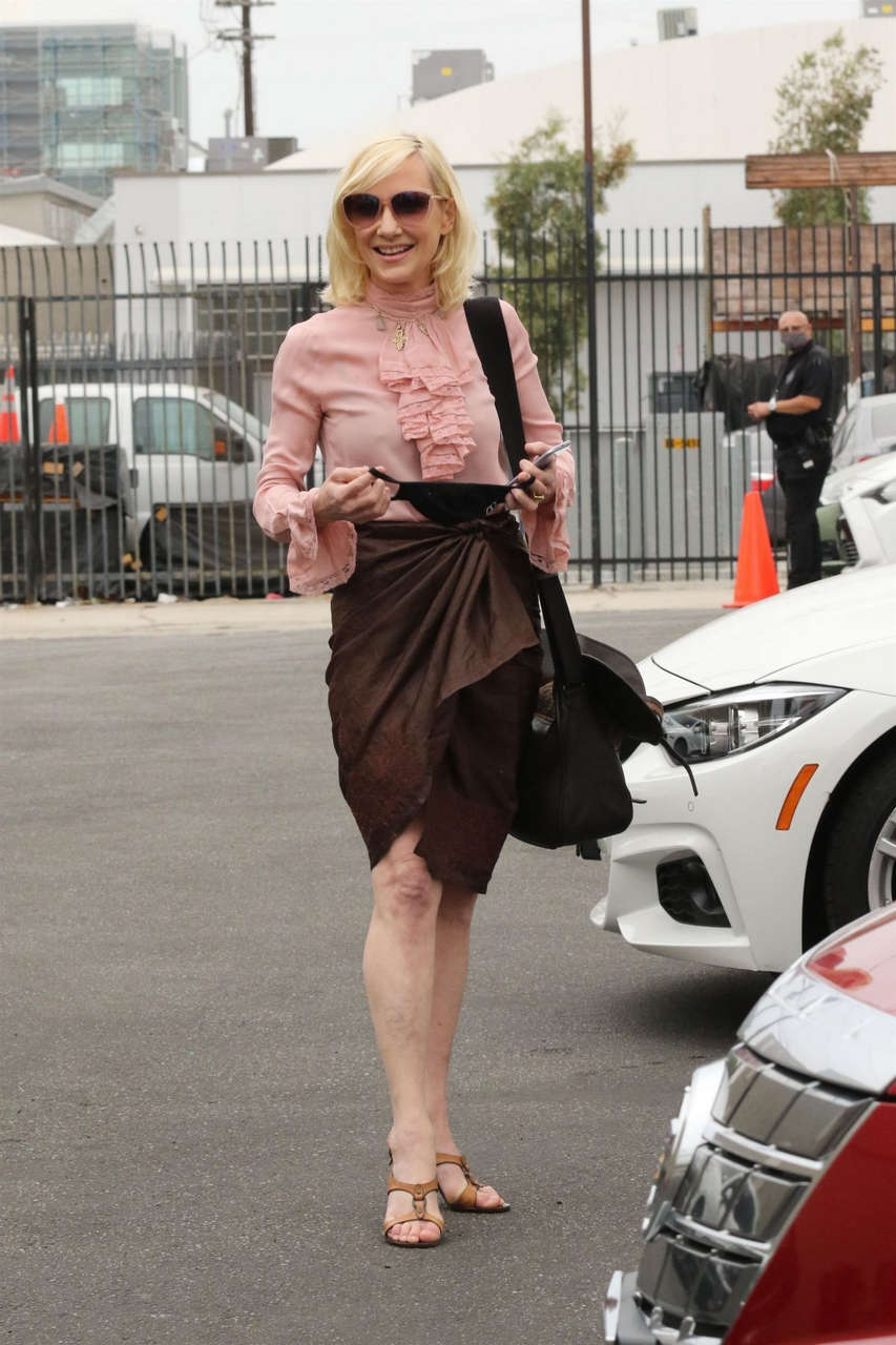 Anne Heche Heading To Dwts Studio Los Angeles