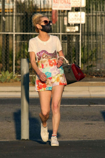 Anne Heche Leaves Dwts Studio Los Angeles