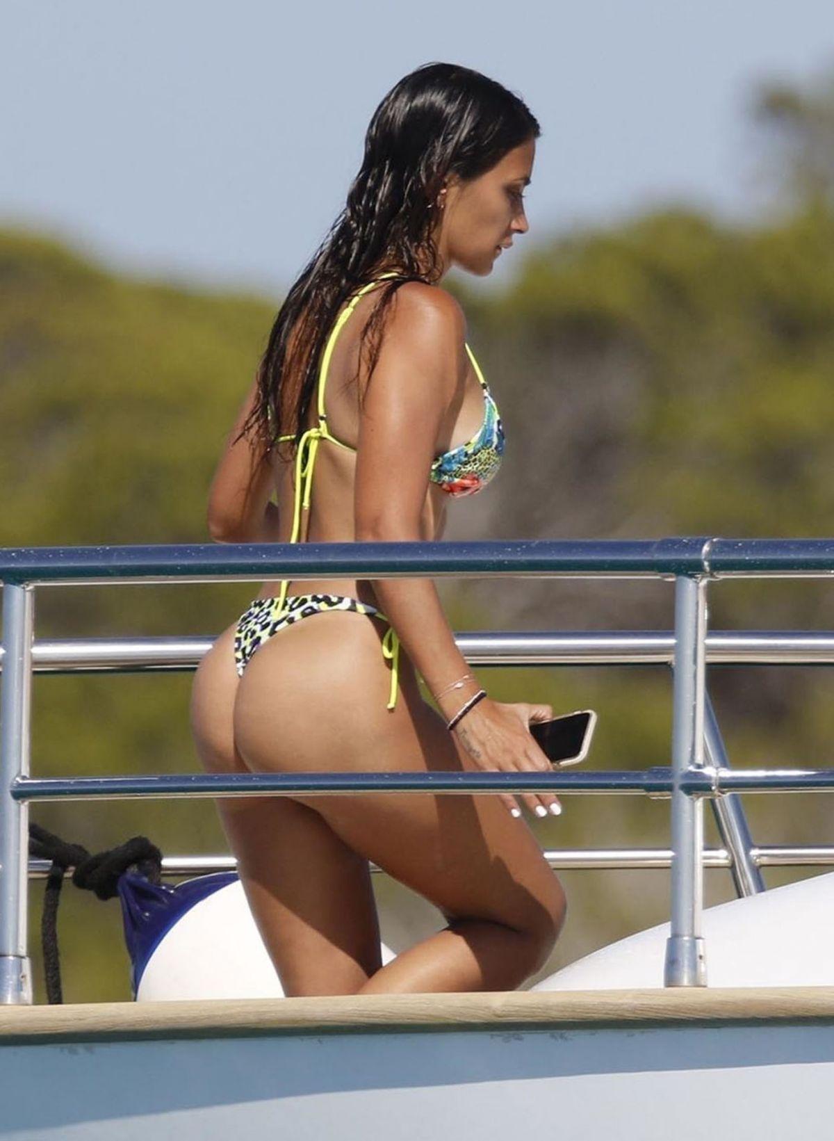 Antonela Roccuzzo Bikini Yacht Spain
