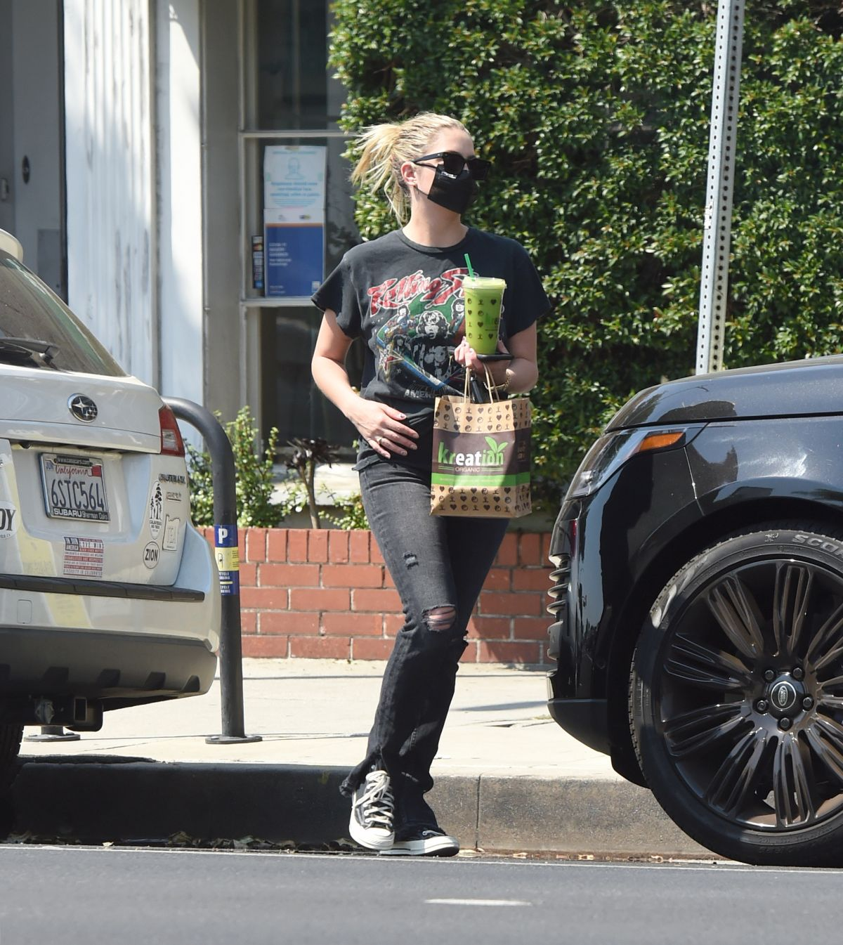 Ashley Benson Out For Fresh Juice Los Angeles