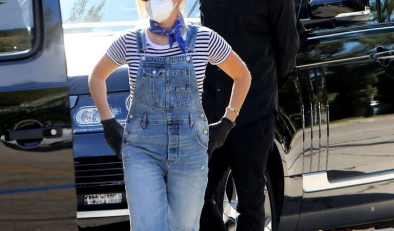Ashley Tisdale Denim Overalls Out House Hunting Los Angeles (10 photos)