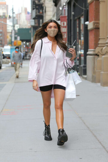 Atiana De La Hoya Leaves Dr Barbara Sturm New York