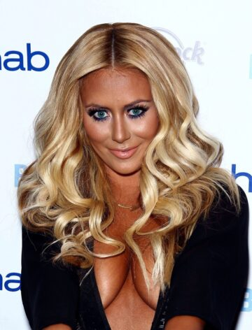 Aubrey Oday With A Light Touch Of Makeup