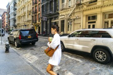 Bella Hadid Arrives Her Apartment New York