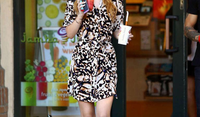 Bella Thorne Leaves Jamba Juice Los Angeles (17 photos)