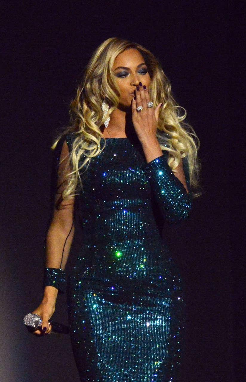 Beyonce 2014 Brit Awards London