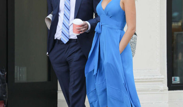 Blake Lively Blue Dress Set Gossip Girl New York (12 photos)