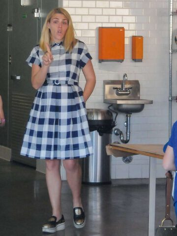 Busy Philipps Shopping Cake Los Angeles