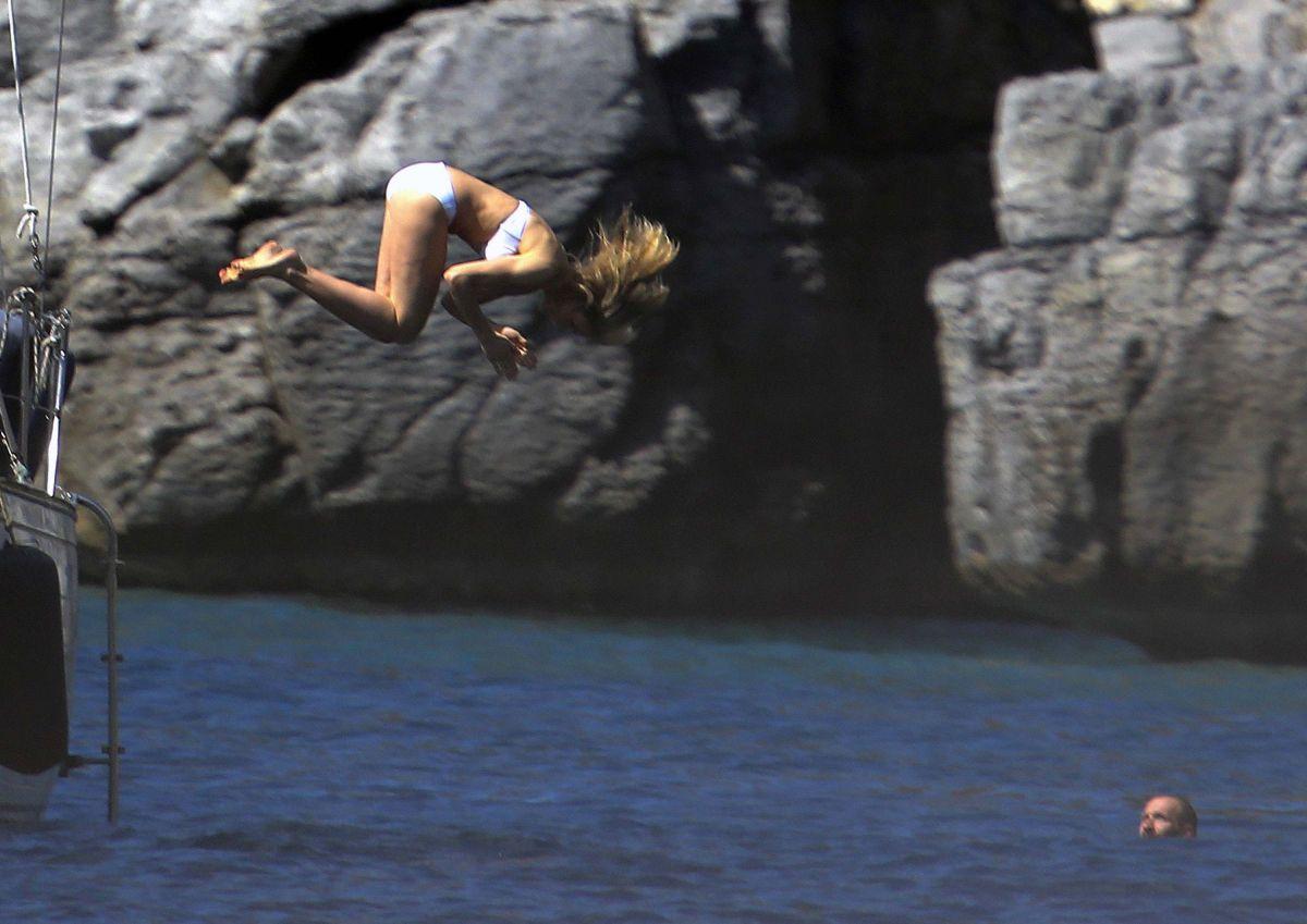 Cameron Diaz Bikini Vogue Photoshoot St Barts