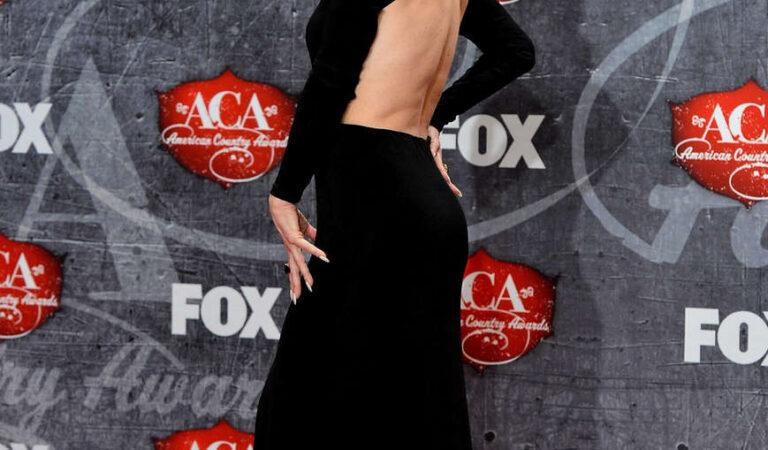Carmen Electra 2012 American Country Awards Las Vegas (6 photos)