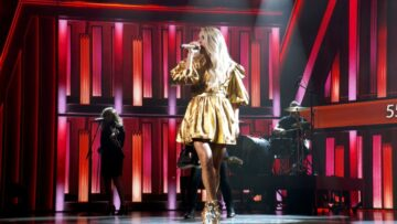 Carrie Underwood Performs 55th Academy Lcountry Music Awards Grand Ole Opry Nashville