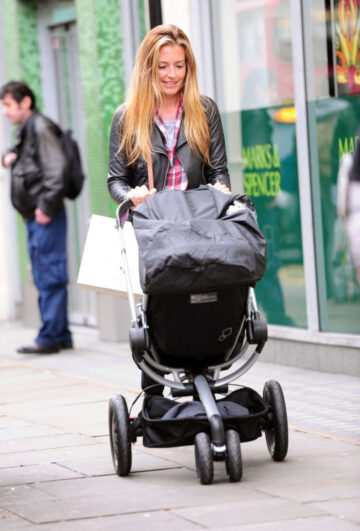 Cat Deeley Out Shopping London