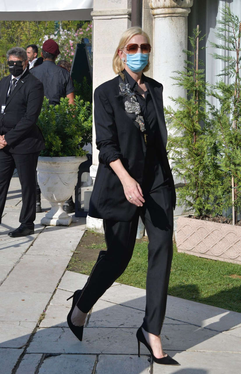 Cate Blanchett Arrives Hotel Excelsior Venice