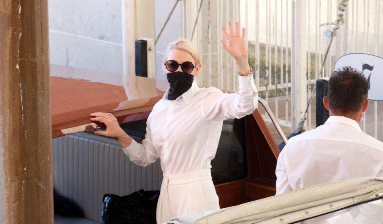 Cate Blanchett Arrives Venice Airport (10 photos)