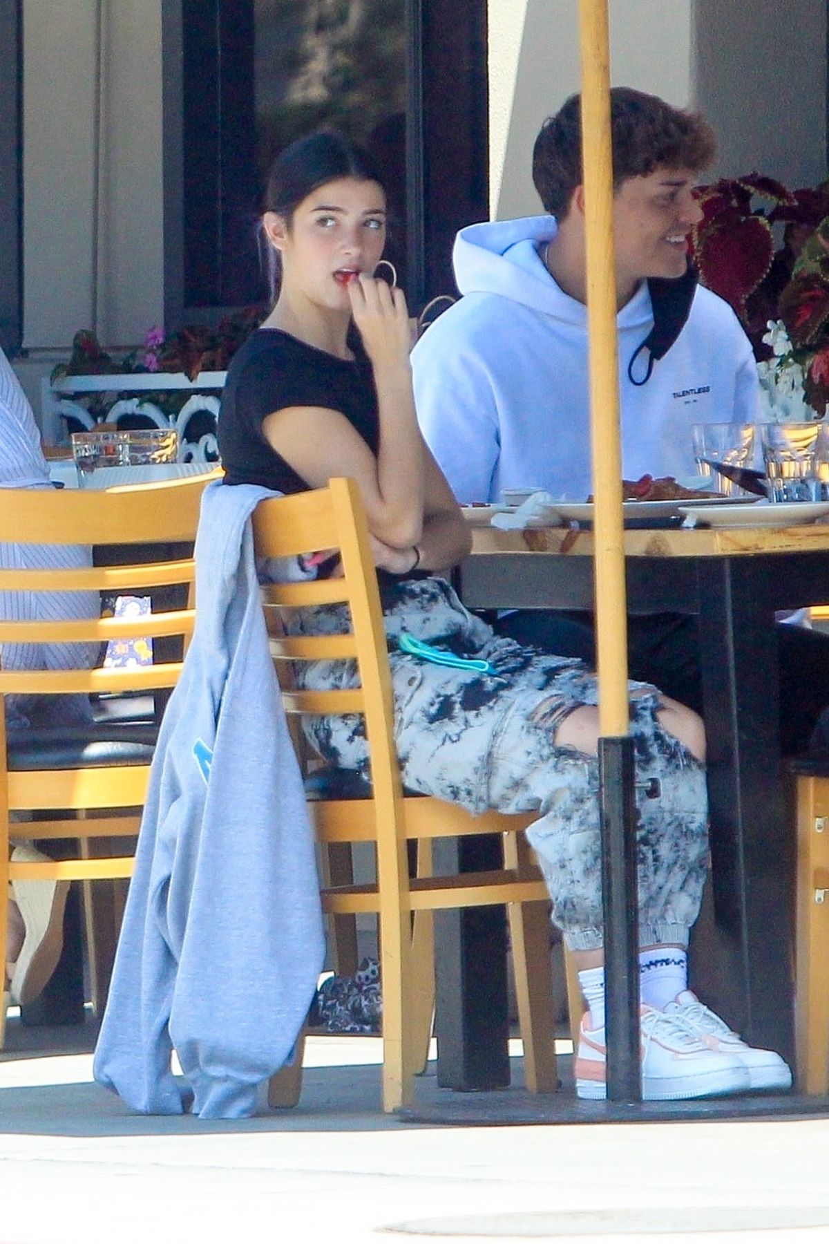 Charli Dixie D Amelio Out For Lunch West Hollywood