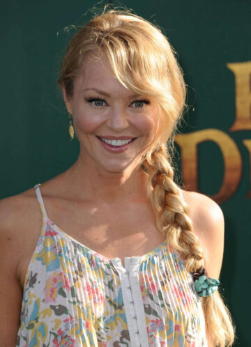 Charlotte Ross Petes Dragon Premiere Hollywood