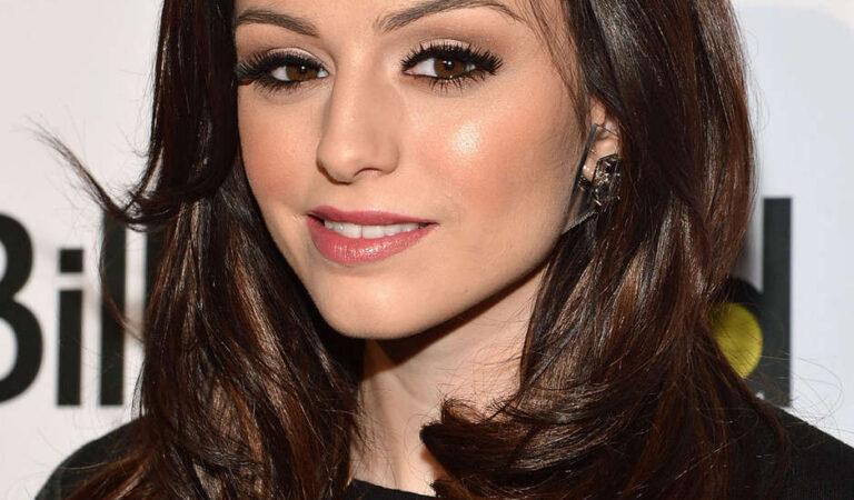 Cher Lloyd Billboards Woman Year Luncheon New York (6 photos)