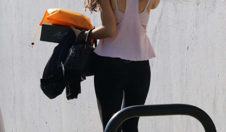 Chrishell Stause Leaves Dwts Rehersal Los Angeles (6 photos)