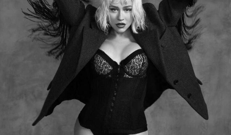 Christina Aguilera For L Officiel Italy (12 photos)