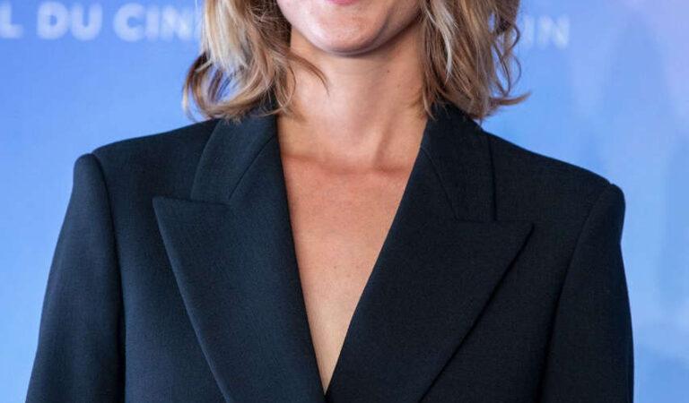 Christine Gautier Teddy Photocall 2020 Deauville American Film Festival (6 photos)