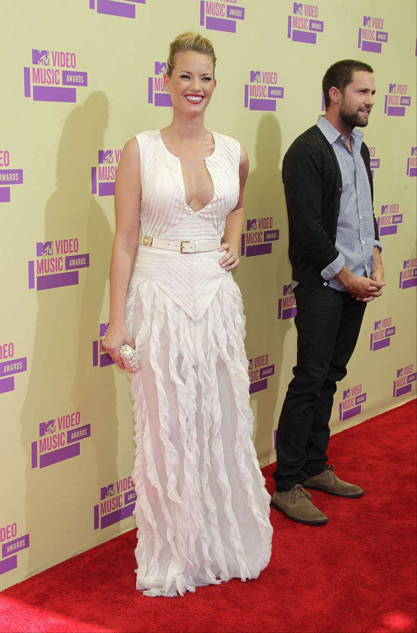 Christine Scott Bennettat 2012 Mtv Video Music Awards Los Angeles