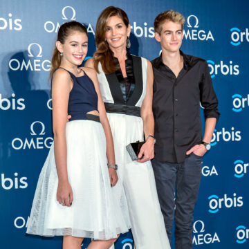 Cindy Crawford Lookalike Daughter Kaia And Son Presley Go Glam On The Red Carpet In Hong Kong See The Sweet Photos