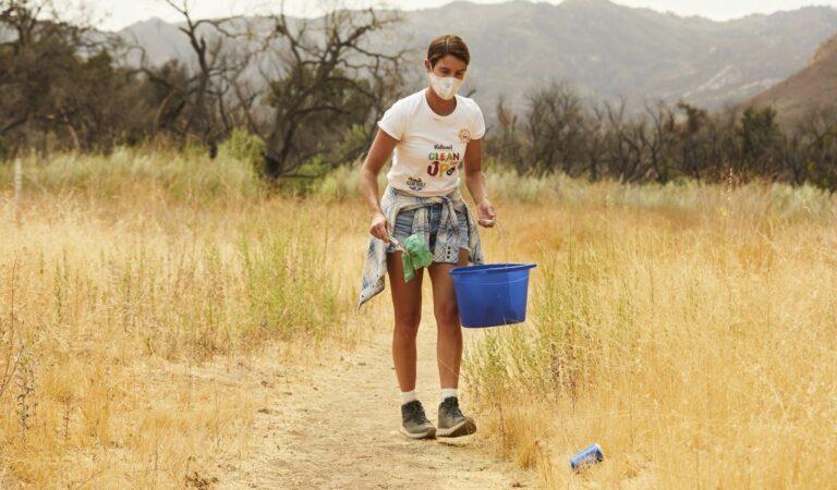 Cobie Smulders Celebrates Launch Of Planet Oat Project Calabasas (10 photos)