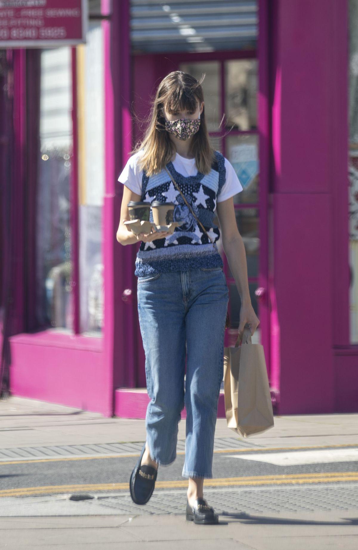 Daisy Edgar Jones Out For Coffee London