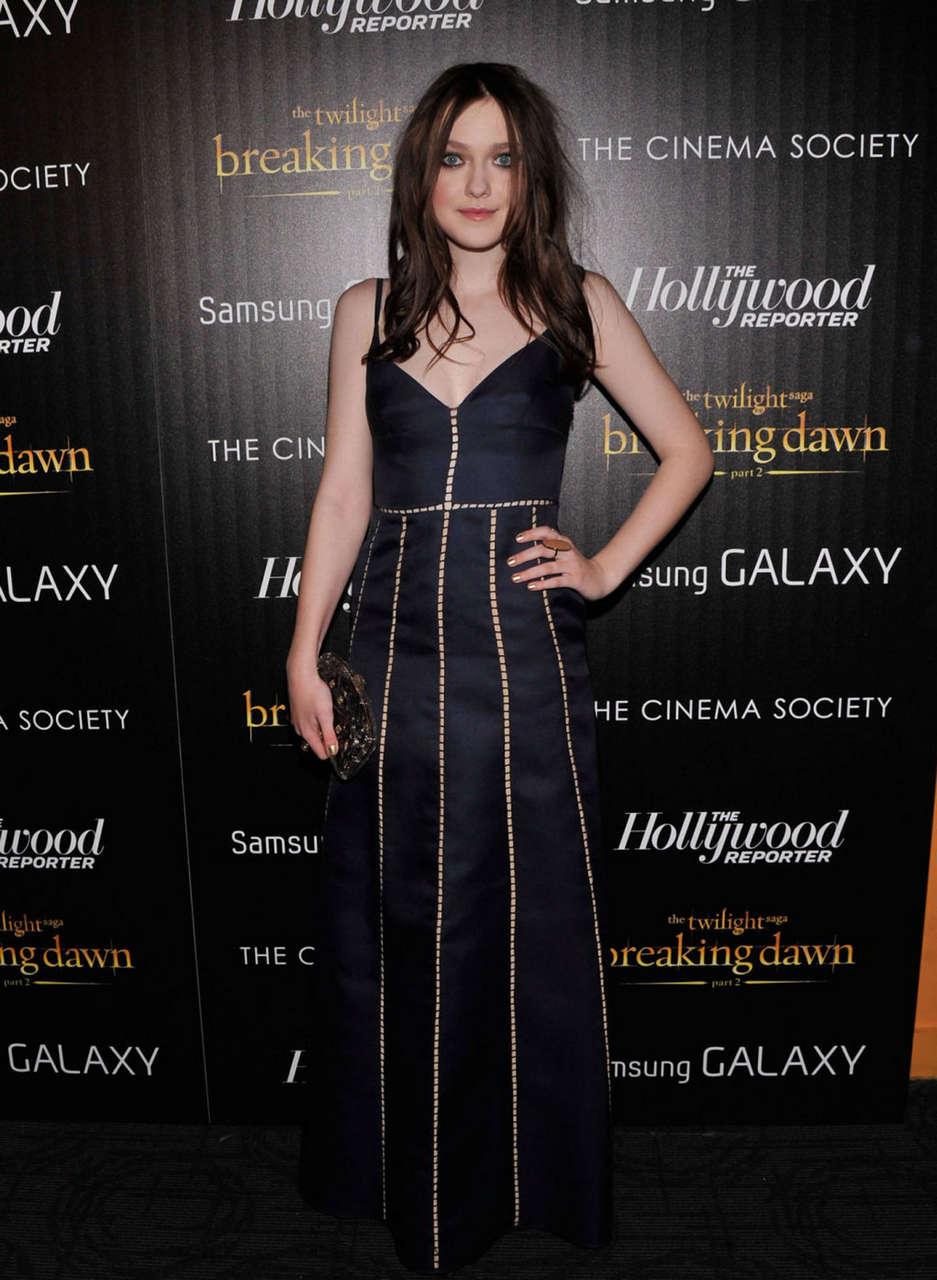 Dakota Fanning Twilight Saga Breaking Dawn Part 2 Premiere New York