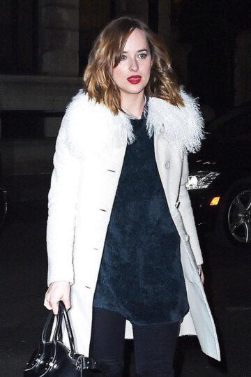 Dakota Johnson Arrives Her Apartment New York