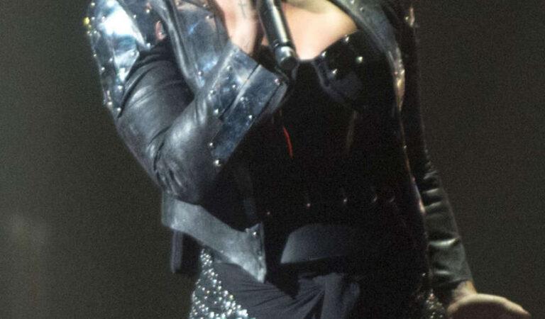 Demi Lovato Performs Neon Lights World Tour Calgary (18 photos)