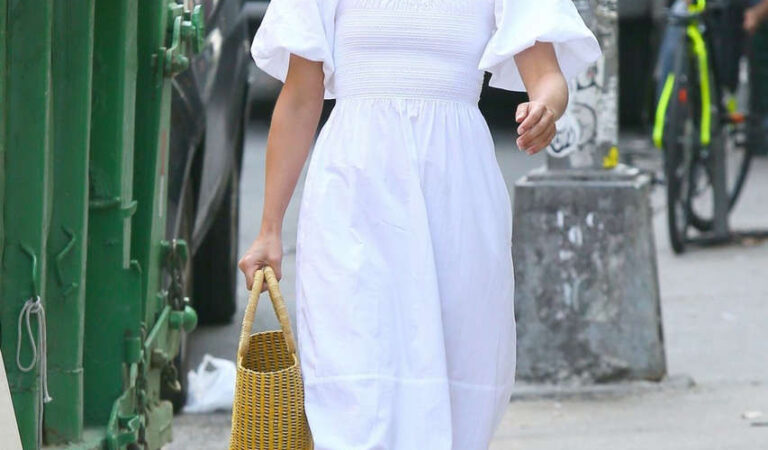 Dianna Agron Wearing Mask Out New York (16 photos)