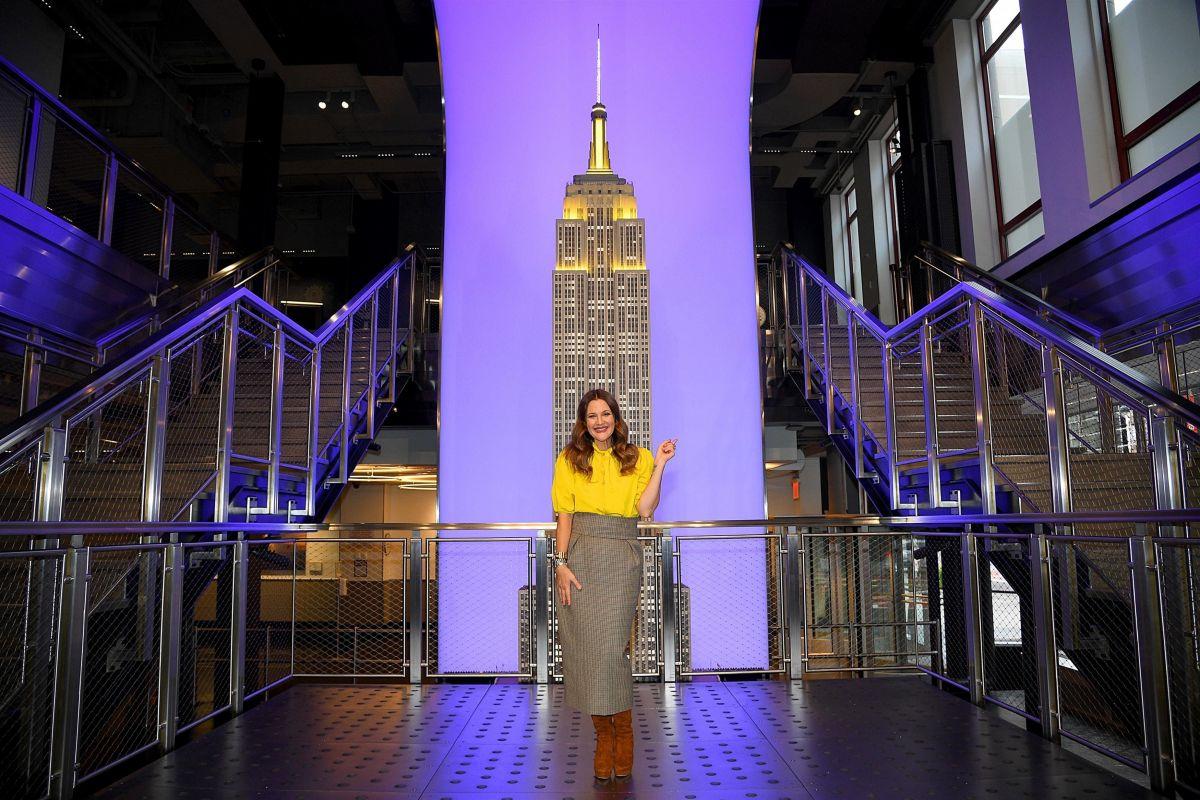 Drew Barrymore Lighting Empire State Building Manhattan