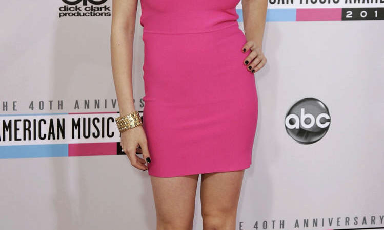 Eden Sher 40th Anniversary American Music Awards Los Angeles (6 photos)