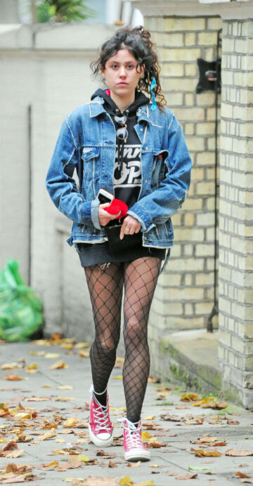 Eliza Doolittle Stockings Out About Primrose Hill