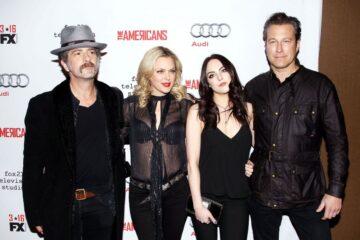 Elizabeth Gillies Elaine Hendrix Aamericans Season 4 Premiere New York
